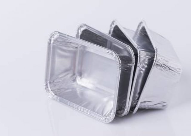 80104273-aluminum-foil-tray-on-white-background